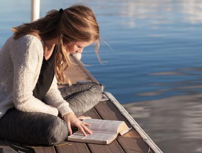 読書は「何かをしながら」実践で時間効率が驚くほどアップ